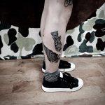 tatuagem na panturrilha