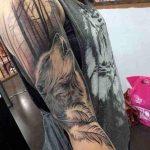 foto de tatuagem de lobo