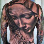 tatuagem-grande-de-nossa-senhora-nas-costas-3