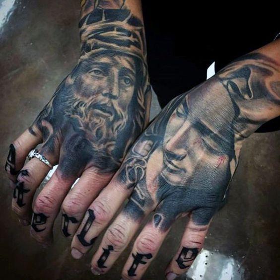tatuagem-na-mão-masculina-22