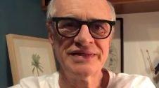 Ator Marcos Caruso se emociona depois de homenagem no 3º FestCine Pedra Azul (Vídeo)